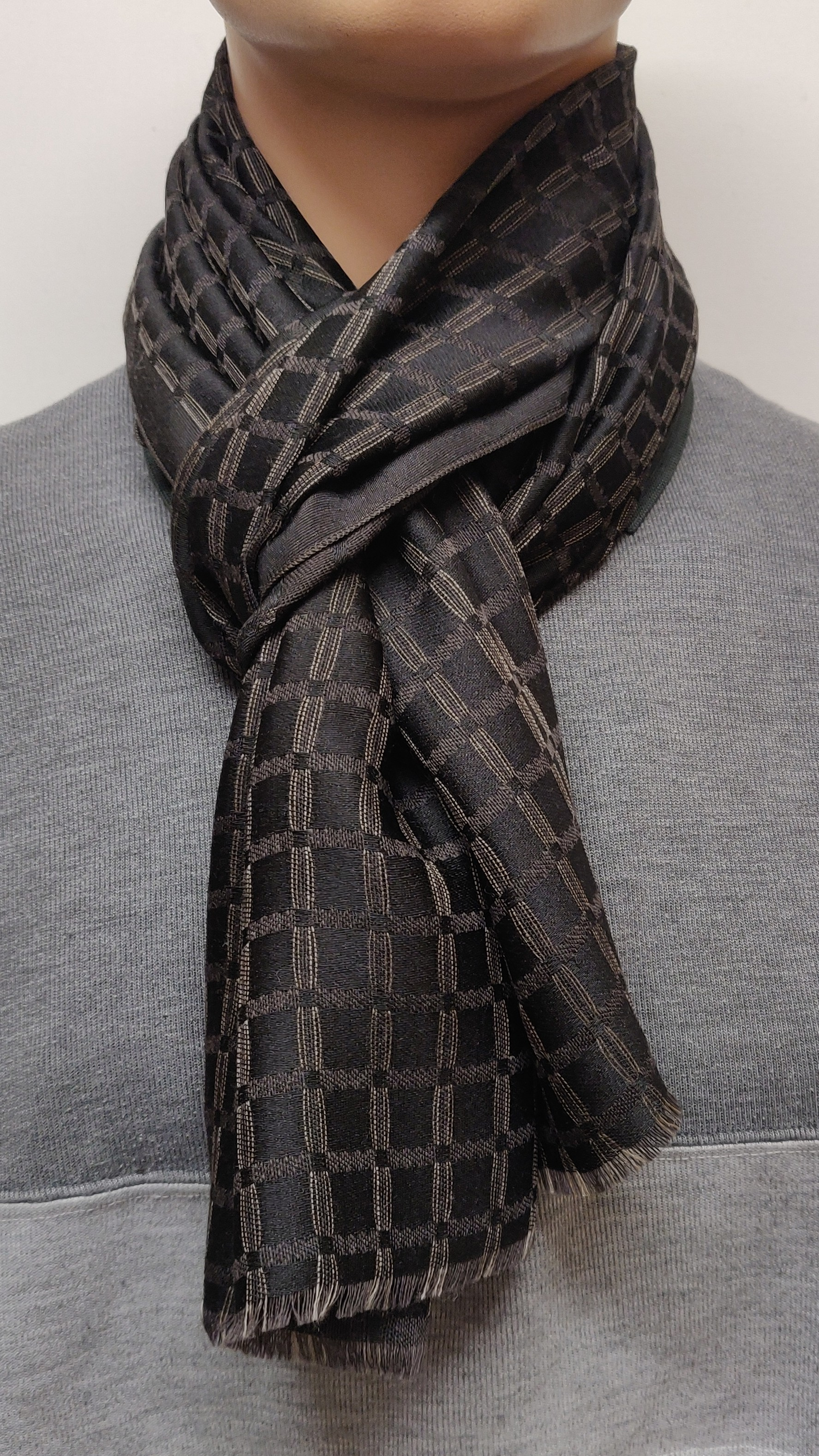 H&S Scarf 39065