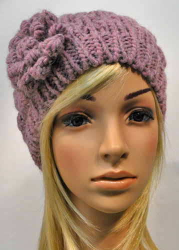 HS Knitted beanie with flower 32422