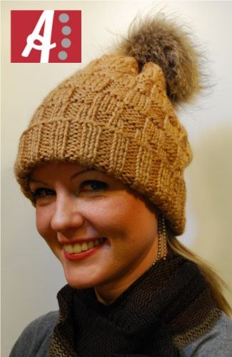 Ainamuoti Knitted Alpaca Beanie with fur bobble