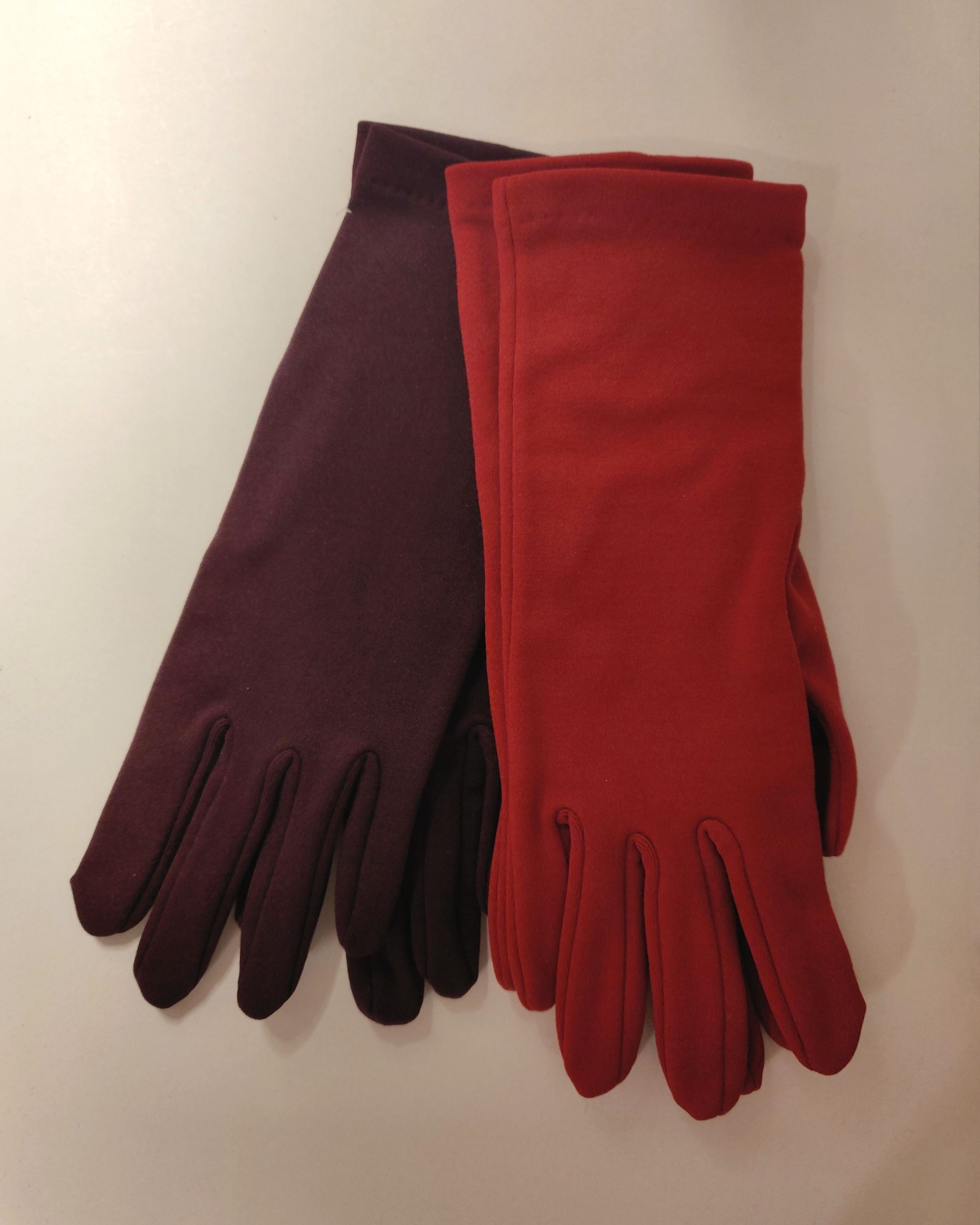 Crepe gloves